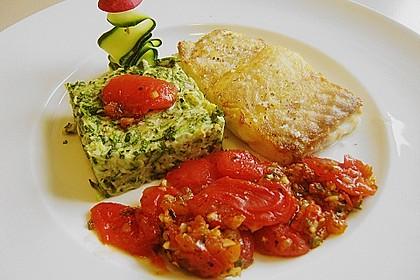 Alaska Heilbutt an Tomatenfilets und Zucchinigratin 1