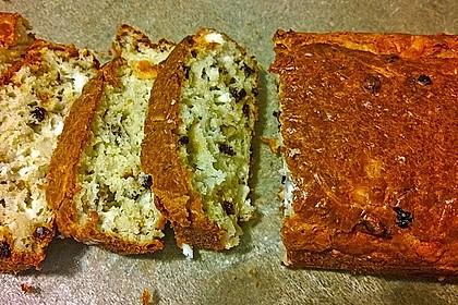 Cake mit Ziegenkäse, Nüssen und Korinthen 1