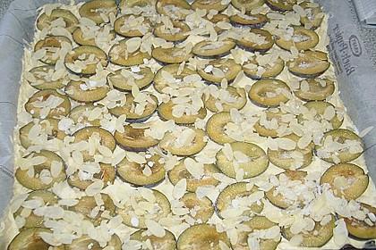 Pflaumen-  bzw. Zwetschgenblechkuchen auf Marzipan - Rührteig 7