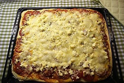 Pizza al pesto rosso 14