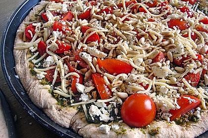 Pizza al pesto rosso 7