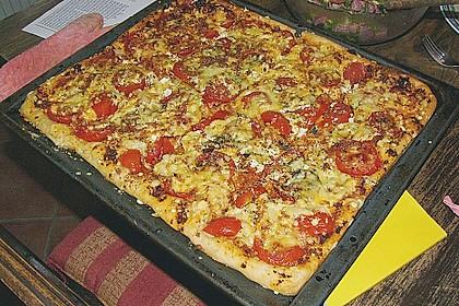 Pizza al pesto rosso 4