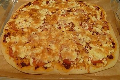 Pizza al pesto rosso 22
