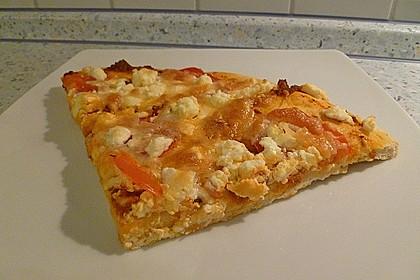 Pizza al pesto rosso 16