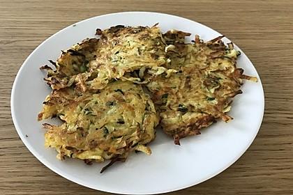 Kartoffelpuffer mit Zucchini und Karotten 2