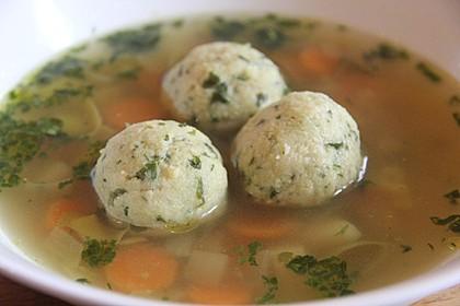 Bröselknödel Suppe 1