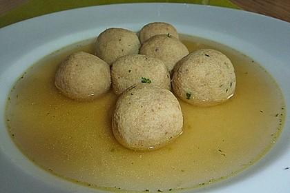 Bröselknödel Suppe 17