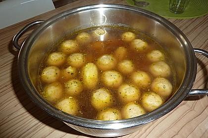 Bröselknödel Suppe 19