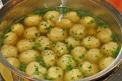 Bröselknödel Suppe 4