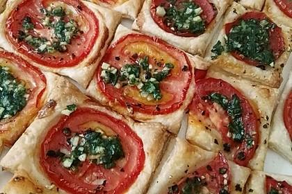 Blätterteig-Tomaten-Quadrate (Bild)