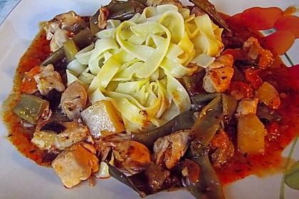 Gemüsegulasch mit Hühnerfleisch 3
