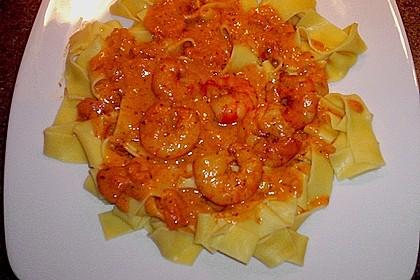 Garnelen in fruchtig, scharfer Sauce auf Nudeln 10
