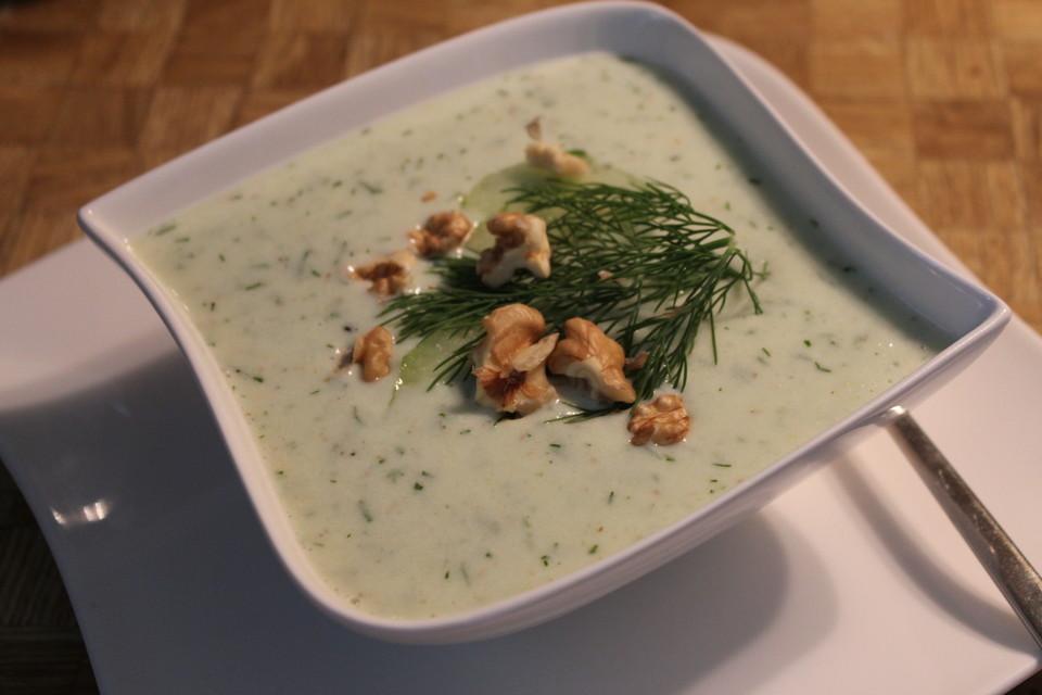 Kalte Sommerküche : Kalte gurkensuppe mit walnüssen von angie chefkoch