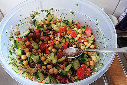 Kichererbsen-Oliven-Salat 16