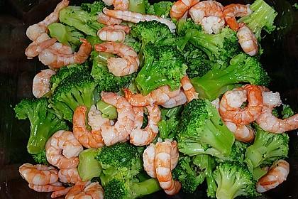 Brokkolisalat mit Krabben 2