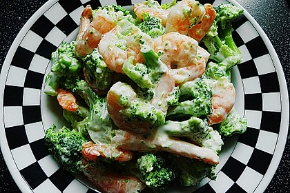 Brokkolisalat mit Krabben