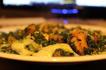 Gnocchi-Spinat-Auflauf mit Hähnchen und Curry (Bild)
