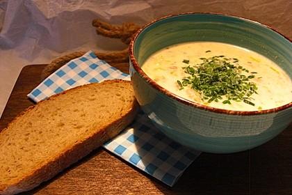 Käsecremesuppe mit Lauch und Gehacktem