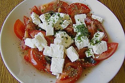 Tomatensalat mit Schaf- oder Ziegenkäse