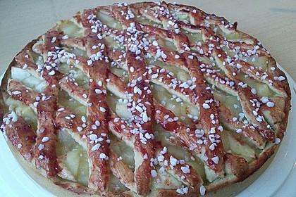 Apfelkuchen aus Hefeteig mit Gittern 23