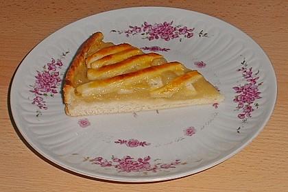 Apfelkuchen aus Hefeteig mit Gittern 10