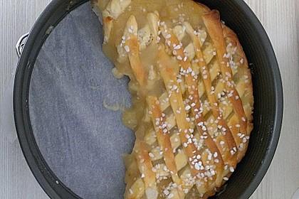 Apfelkuchen aus Hefeteig mit Gittern 21