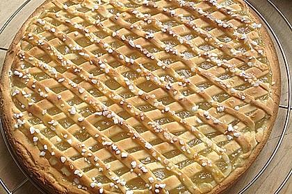 Apfelkuchen aus Hefeteig mit Gittern 2