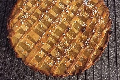 Apfelkuchen aus Hefeteig mit Gittern 6