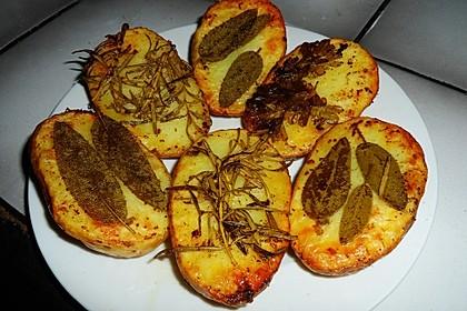Ofenkartoffeln mit frischen Kräutern 26