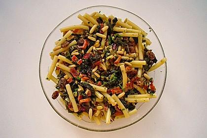 Mangold - Gemüse mit Sardellen, Pinienkernen und Rosinen 1