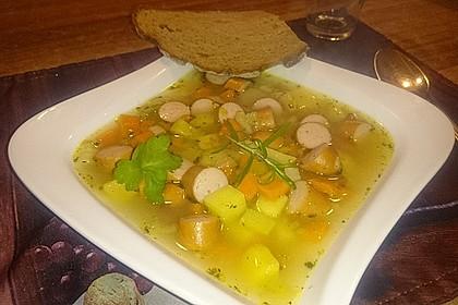 Cremige, aber diättaugliche Kartoffelsuppe mit Thymian und Käse 25