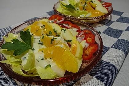 Chicoree - Paprika - Obstsalat mit Joghurt - Honig - Dressing (Bild)