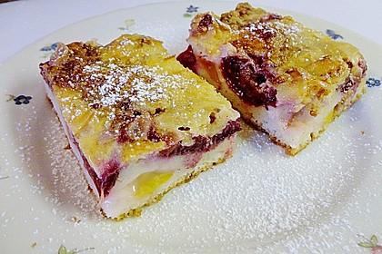 Zwetschgenkuchen mit Sahne - Mandelguss 4
