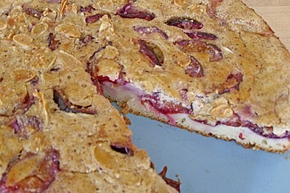 Zwetschgenkuchen mit Sahne - Mandelguss 22