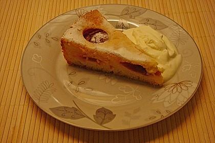 Zwetschgenkuchen mit Sahne - Mandelguss 19