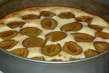 Zwetschgenkuchen mit Sahne - Mandelguss 25