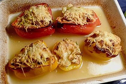 Gefüllte Paprika mit Huhn und Hüttenkäse 3