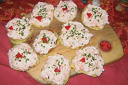 Salmon Herbed Pikelets