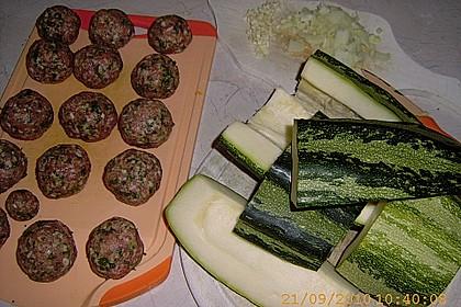 Zucchinisuppe mit Hackbällchen 25