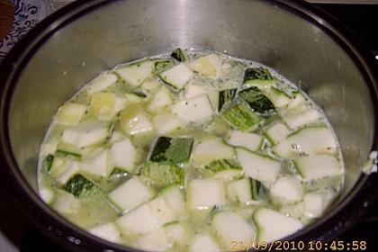 Zucchinisuppe mit Hackbällchen 27