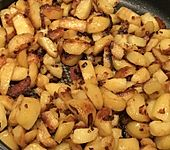 Bratkartoffeln mit Zwiebeln und Speck (Bild)