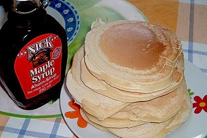 American Pancakes mit Ahornsirup 15