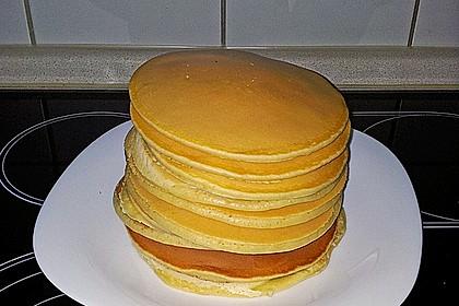 American Pancakes mit Ahornsirup 3