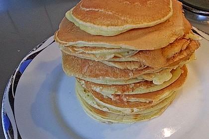 American Pancakes mit Ahornsirup 10