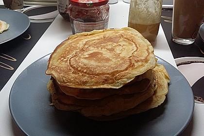 American Pancakes mit Ahornsirup 18