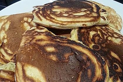 American Pancakes mit Ahornsirup 24