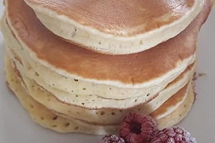 American Pancakes mit Ahornsirup 4
