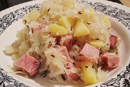 Sauerkraut - Kasseler - Kartoffel - Pfanne mit Ananas (Bild)