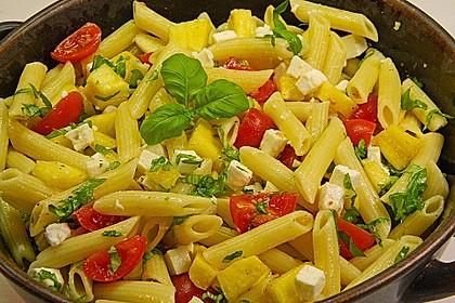 Nudelsalat mit Tomaten und Ananas 1
