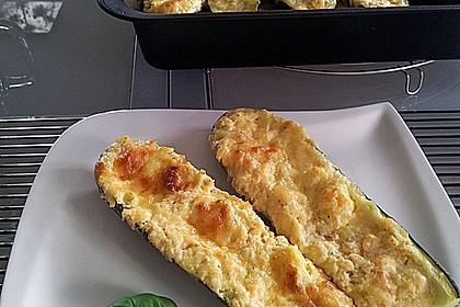 Zucchini - gefüllt und überbacken